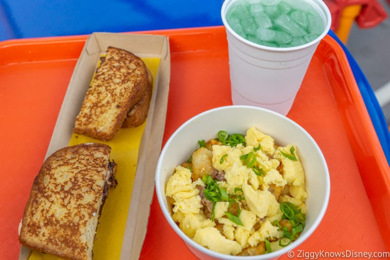 REVIEW: Breakfast at Woody's Lunch Box in Toy Story Land