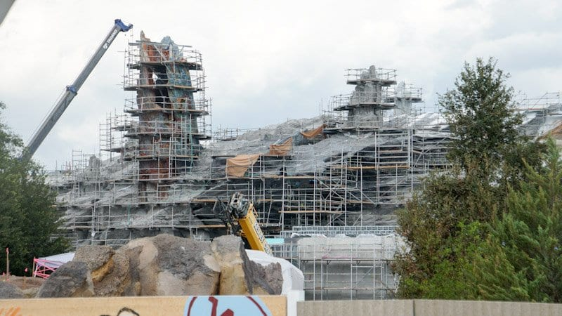 Themed Roofs and Painted Spires Star Wars Galaxy's Edge Battle Escape