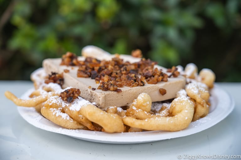 REVIEW Maple Bacon Funnel Cake Epcot funnel cake