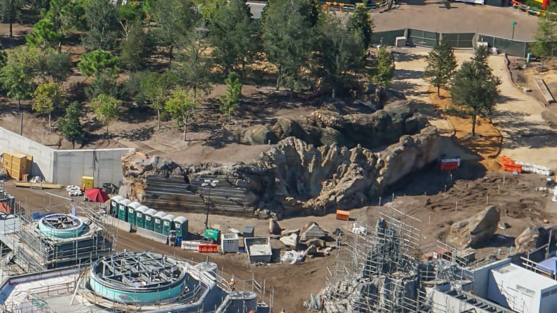 Star Wars Galaxy's Edge Construction Update October 2018 rock work