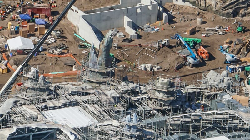 Star Wars Galaxy's Edge Construction Update October 2018 battle escape petrified tree