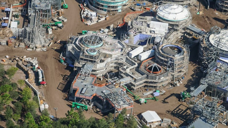 Star Wars Galaxy's Edge Construction Update October 2018 black spire outpost
