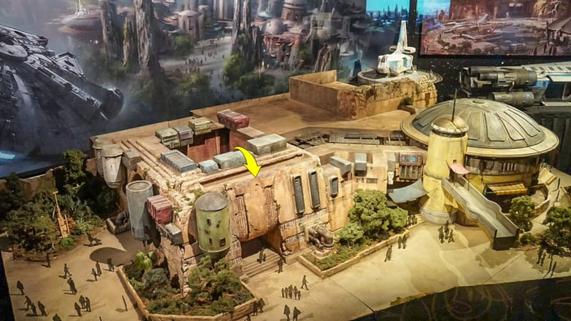 Star Wars Galaxy's Edge Construction Update October 2018 building model
