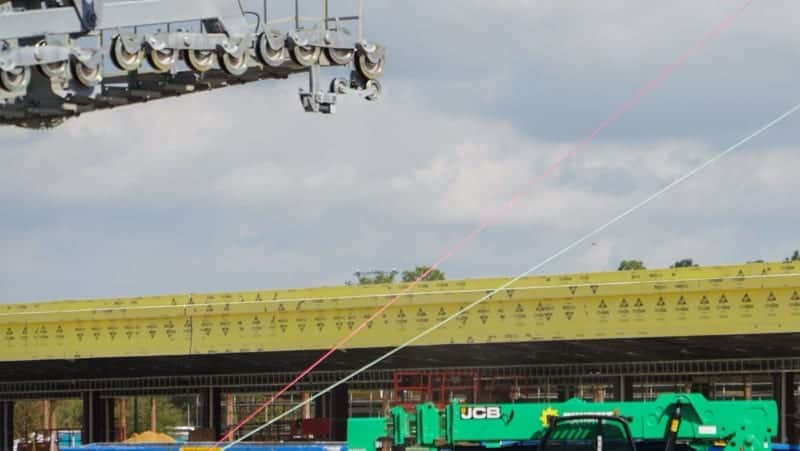 Disney Skyliner Gondola construction update November 2018 Cable Installation Preparation red green
