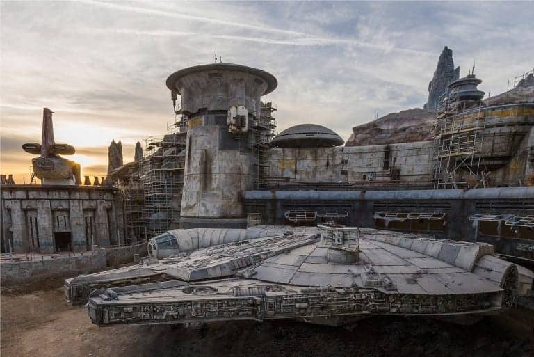 Millennium Falcon Finished Disneyland Star Wars Galaxy's Edge
