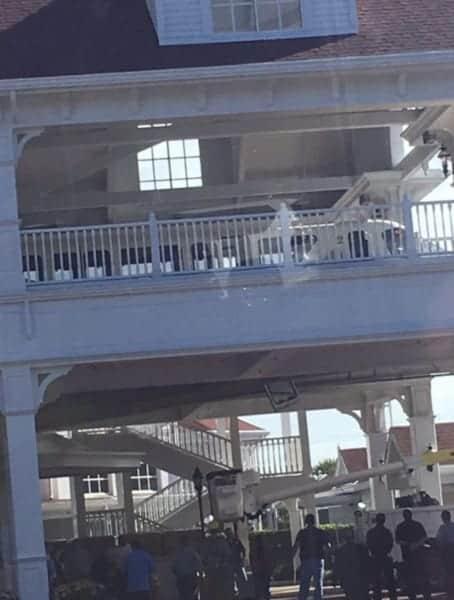 Monorail Door Falls Off in Walt Disney World