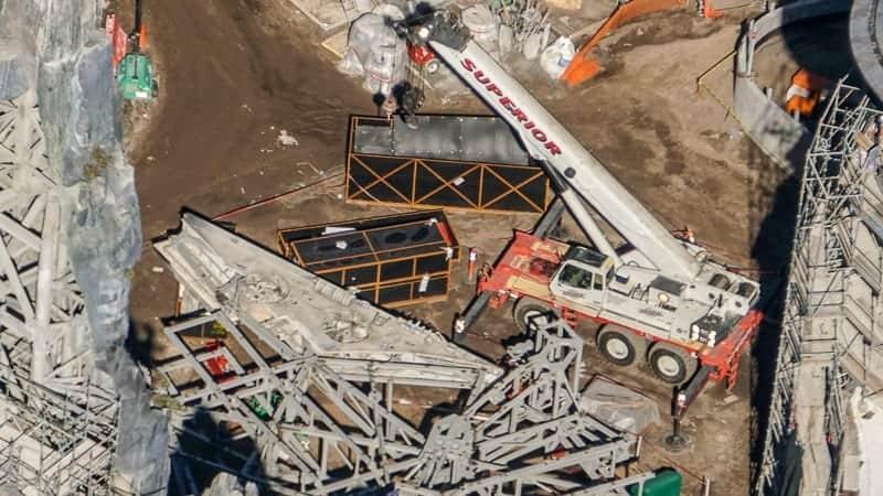 Star Wars Galaxy's Edge Construction Update December 2018 Millennium Falcon details arriving