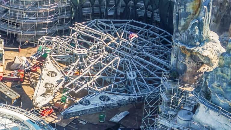 Star Wars Galaxy's Edge Construction Update December 2018 Millennium Falcon details up close
