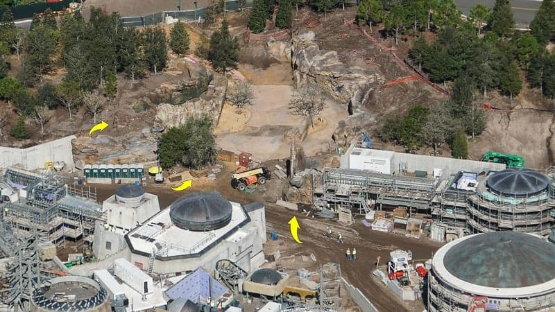 Star Wars Galaxy's Edge Construction Update December 2018 petrified tree at entrance