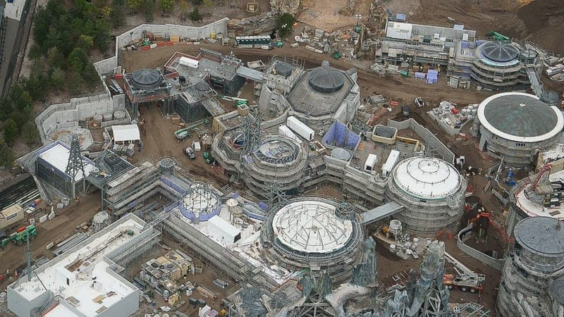 Star Wars Galaxy's Edge Construction Update December 2018 black spire outpost