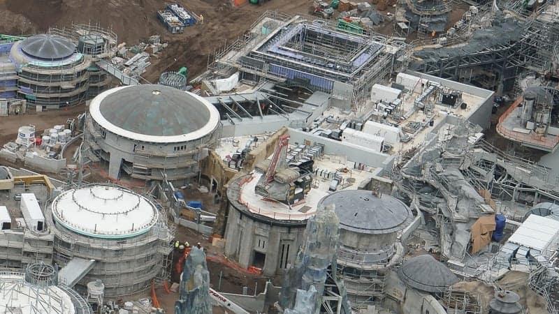 Star Wars Galaxy's Edge Construction Update December 2018 spaceship