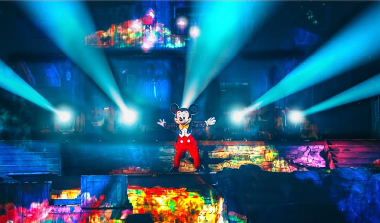 Disney has announced that one of its most loved shows, Fantasmic! is returning from refurbishment in Disneyland