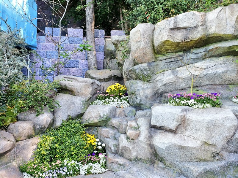 Sleeping Beauty Castle refurbishment updates Disneyland  walls in the back