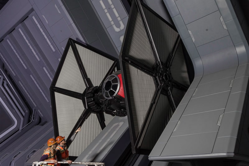 Star Wars Galaxy's Edge Star Wars Rise of the Resistance