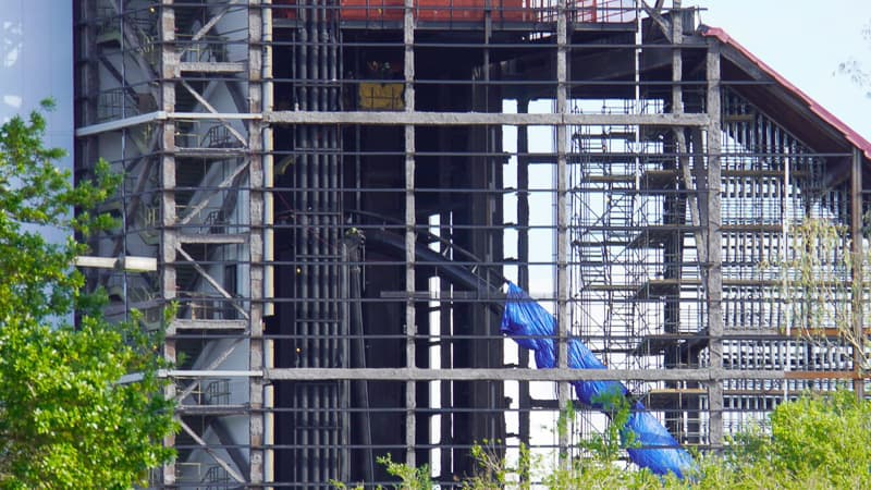 Guardians of the Galaxy Coaster Epcot Update April 2019 bank at top of the hill