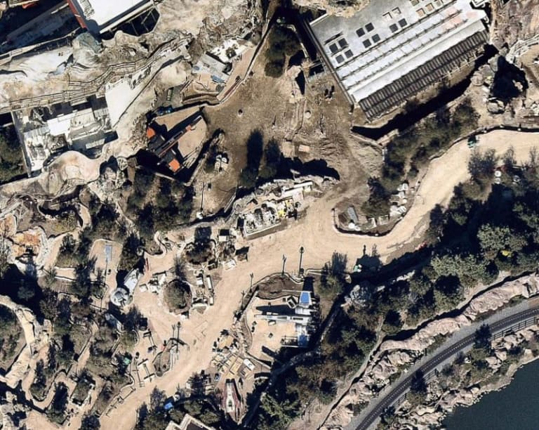 X-Wings Land in Star Wars Galaxy's Edge