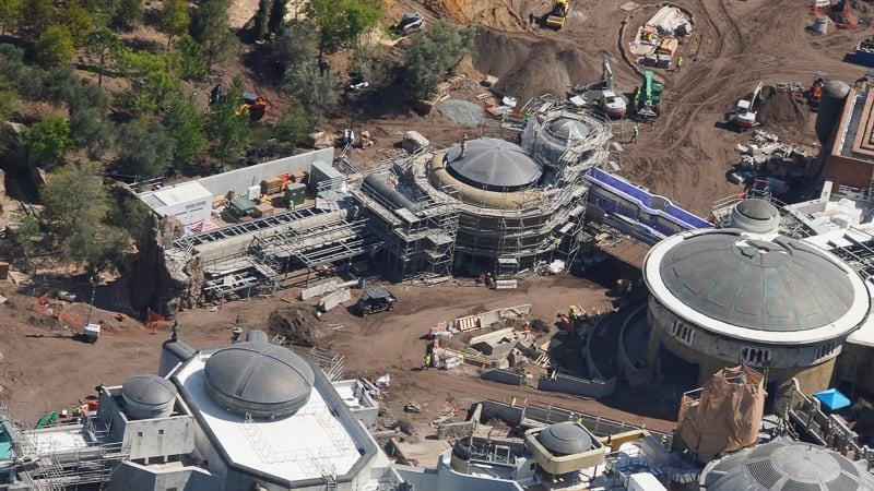 Star Wars Galaxy's Edge Construction Update March new themed building