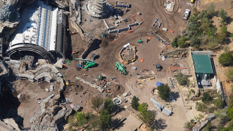 Star Wars Galaxy's Edge Construction Update March rise of the resistance work