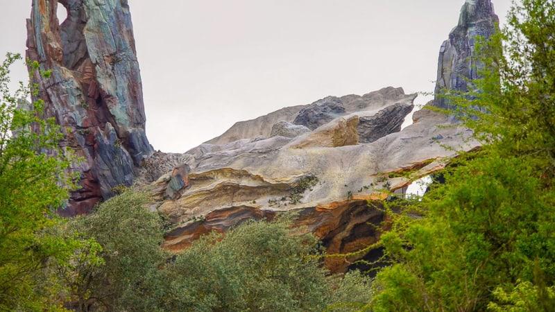 Star Wars Galaxy's Edge Construction Update March amazing rockwork