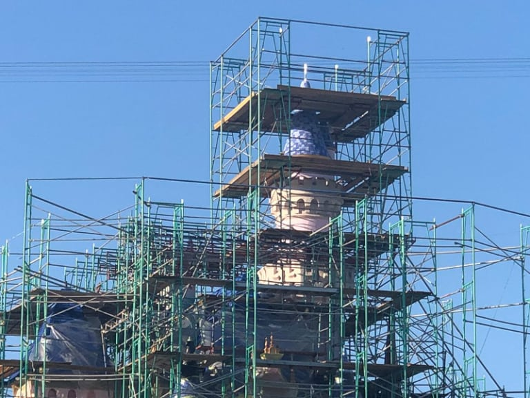 Disneyland Castle Refurb April scaffolding roof