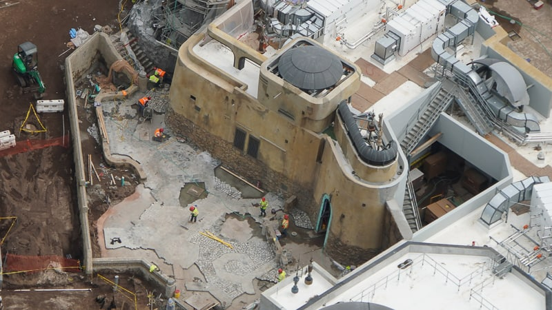 Star Wars Galaxy's Edge Construction Update April 2019 close up of courtyard