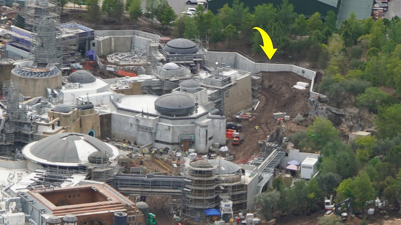 Star Wars Galaxy's Edge Construction Update April 2019 the berm