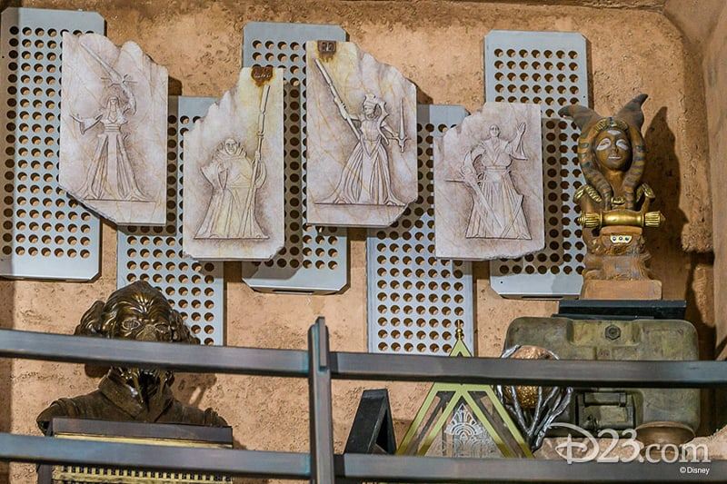 Dok Ondar's artifacts D23 Star Wars Galaxy's Edge Photos Theming Details