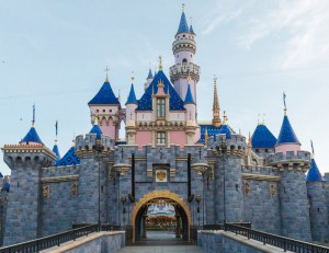 Sleeping Beauty Castle in Disneyland Unveiled – Updates May 2019