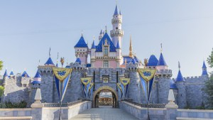 Sleeping Beauty Castle Refurbishment Finished in Disneyland – Updates May 2019