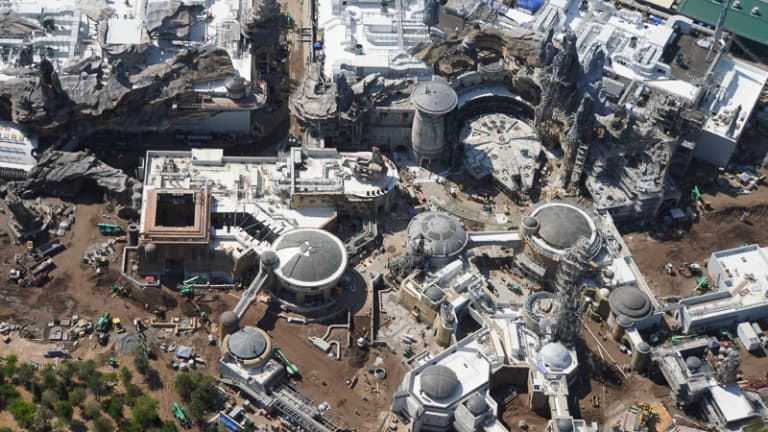 Star Wars Galaxy's Edge Construction Updates May 2019 Black Spire Outpost aerial