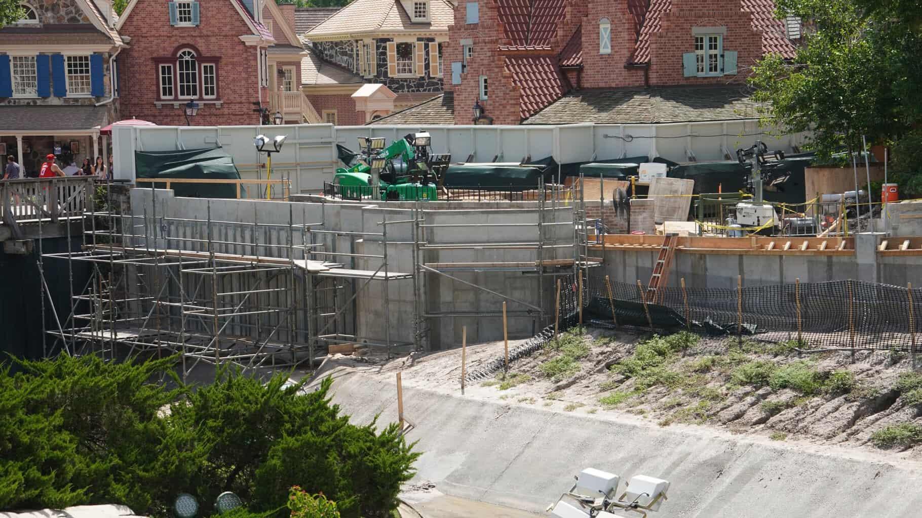 behind the Cinderella Castle walkway construction