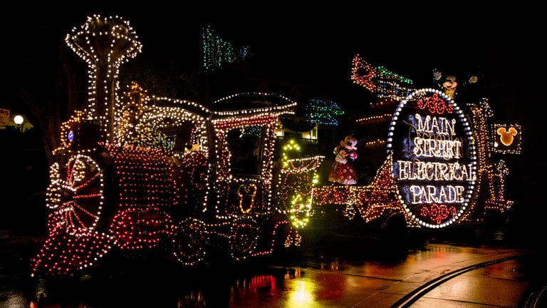 Main Street Electrical Parade returning to Disneyland Park