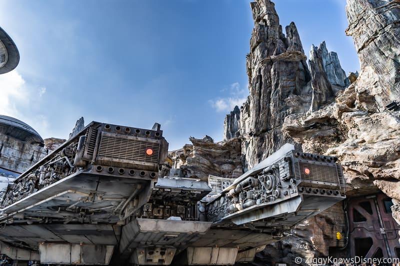 Millennium Falcon Smuggler's Run Ride details