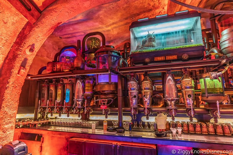 all the drink taps in Oga's Cantina Galaxy's Edge