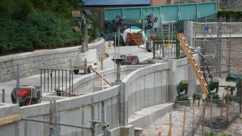 Side Wall Magic Kingdom Sidewalk expansion