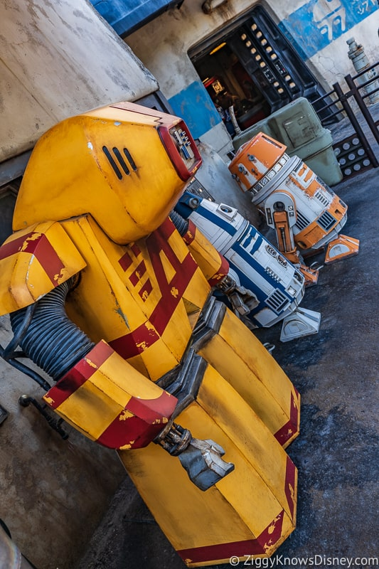 Star Wars Galaxy's Edge droids