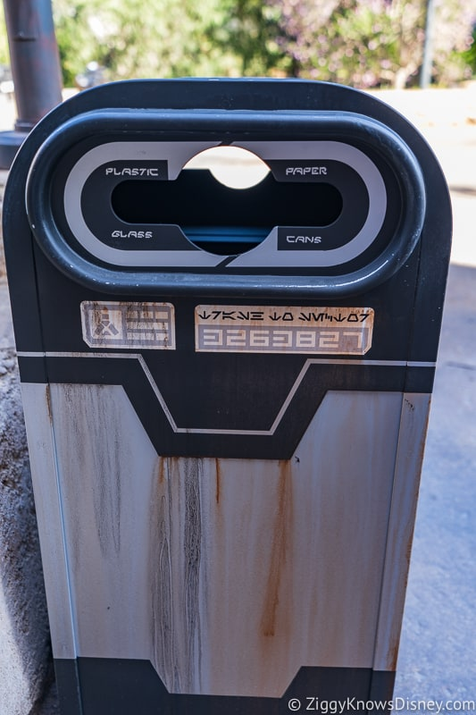 Star Wars Galaxy's Edge garbage bins