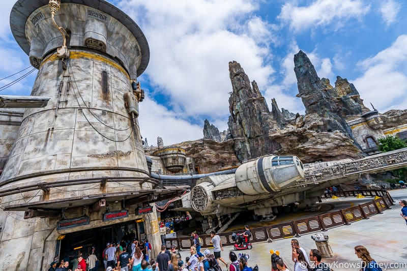 Millennium Falcon Smuggler's Run Star Wars Galaxy's Edge