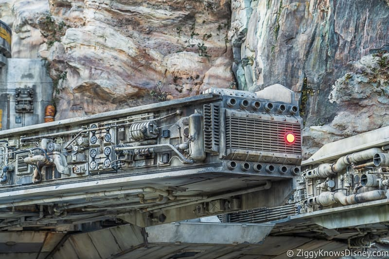 Millennium Falcon close Star Wars Galaxy's Edge