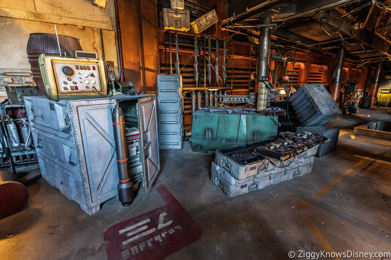 Millennium Falcon Smuggler's Run queue Star Wars Galaxy's Edge