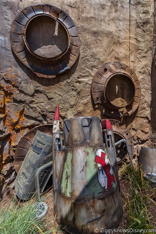 decorations outside Savi's Workshop in Star Wars Galaxy's Edge Disneyland