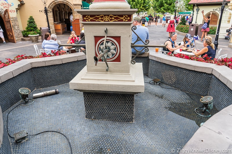 Hurricane Dorian Preparations in Walt Disney World water drained from fountain germany