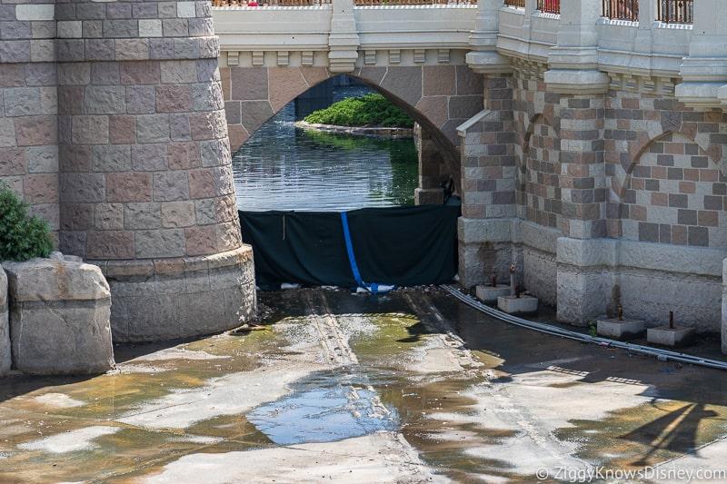 magic kingdom cinderella castle walkway update august 2019 moat under the castle