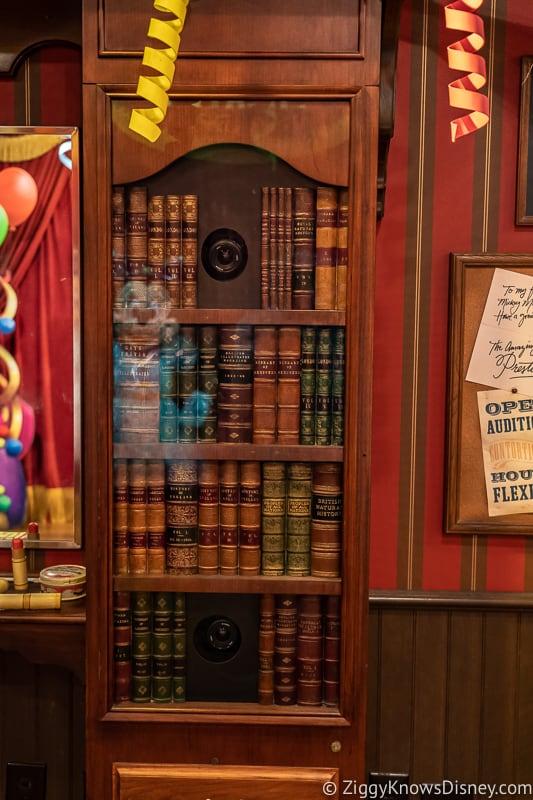 bookshelf automatic camera
