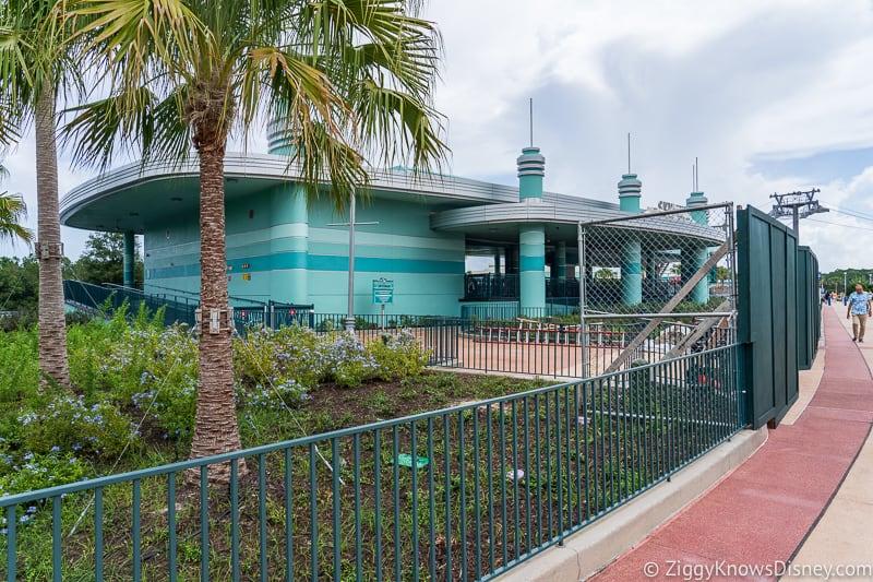 hurricane Dorian Preparations in Walt Disney World Hollywood Studios skyliner fence