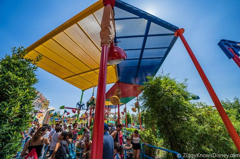New Slinky Dog Dash Shade Structure