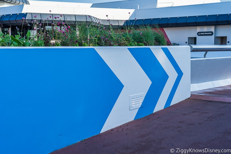 Epcot Experience Odyssey walkway 2