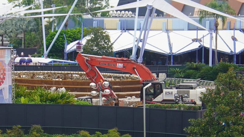 bulldozers at fountain of nations epcot