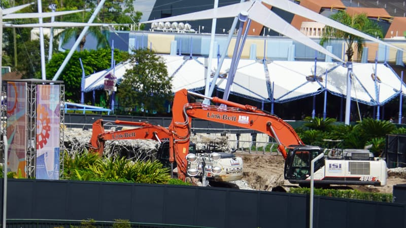 bulldozer demolishing Fountain of Nations demolition construction October 2019
