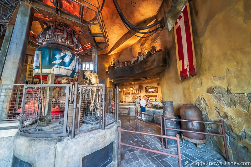 Ronto Roasters queue Star Wars Galaxy's Edge
